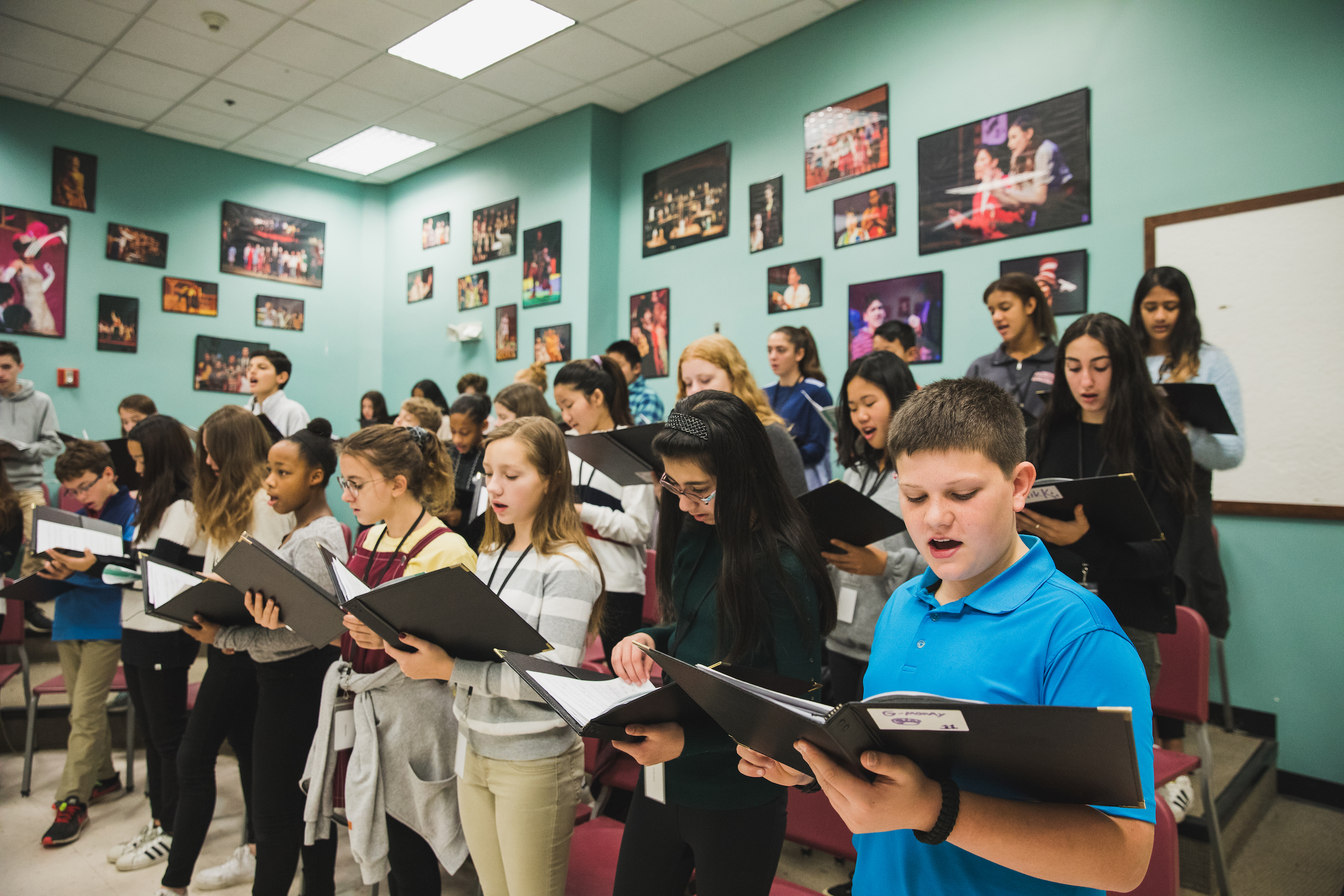 ms-students-singing-in-music-class