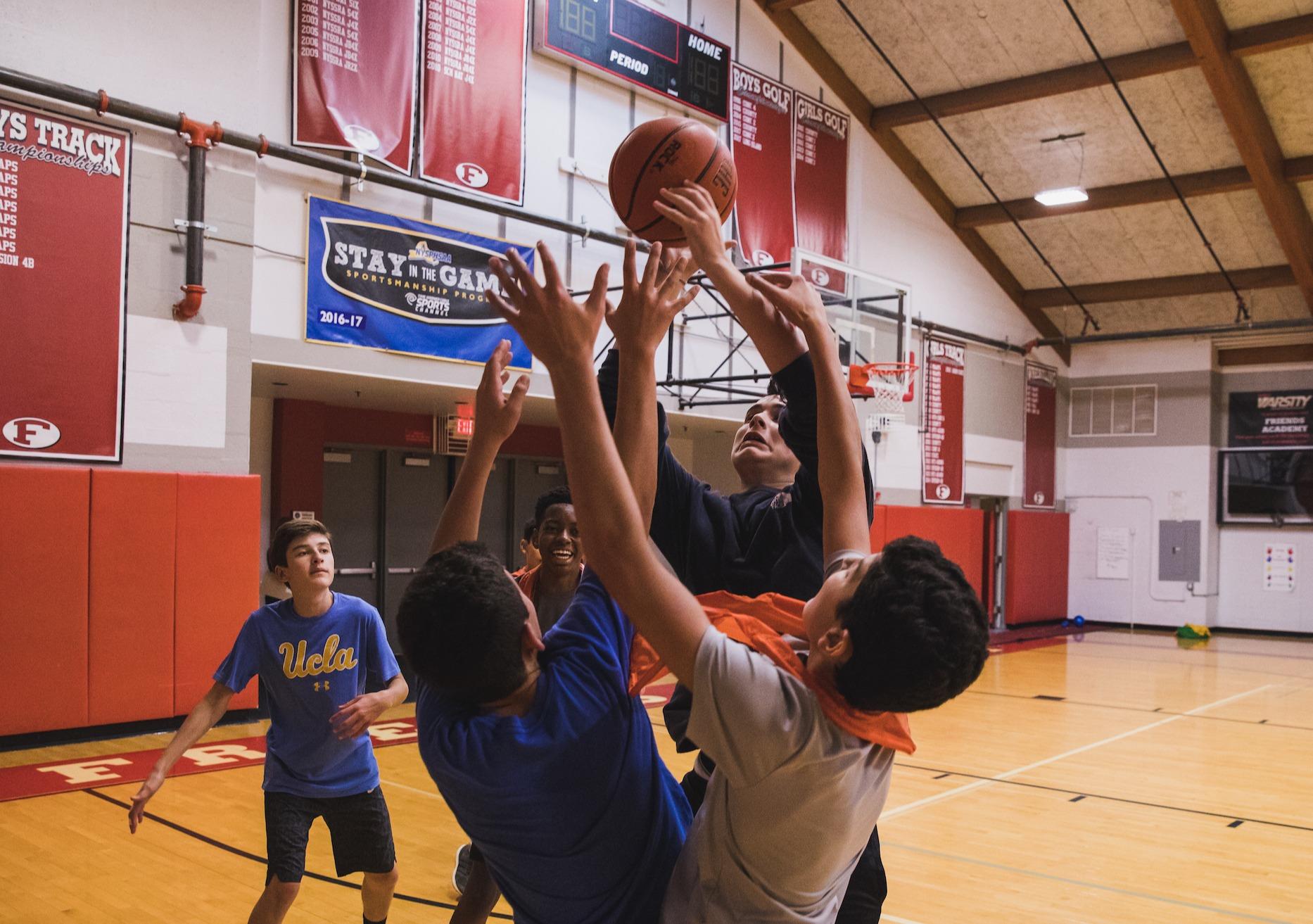 us-students-playing-basketball